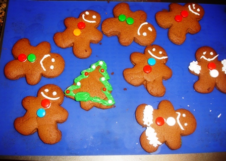 make your own gingerbread cookies